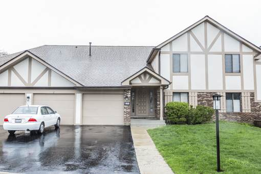 1204 Knottingham Court 2A, Schaumburg, IL 60193 (MLS #10680630) :: Angela Walker Homes Real Estate Group