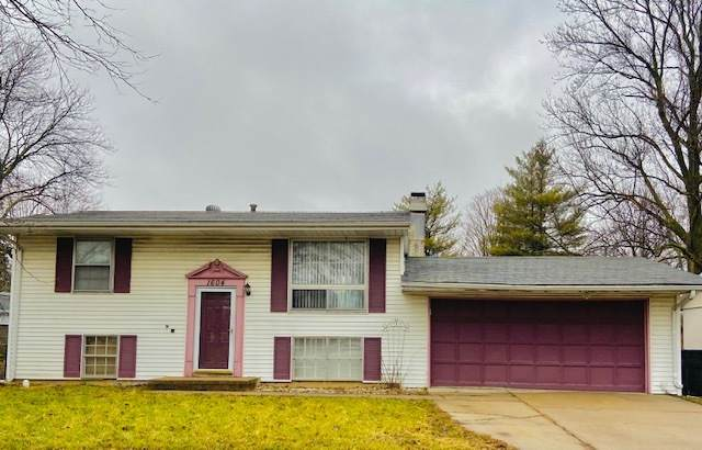 1604 Arrowhead Drive, Bloomington, IL 61704 (MLS #10681346) :: Property Consultants Realty