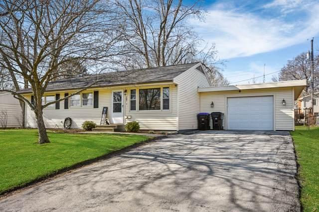207 Hillside Lane, Bloomington, IL 61701 (MLS #10682343) :: Jacqui Miller Homes