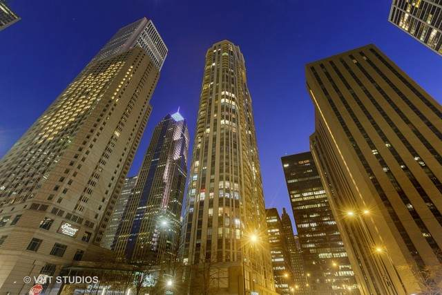222 N Columbus Drive #4203, Chicago, IL 60601 (MLS #10683214) :: The Mattz Mega Group
