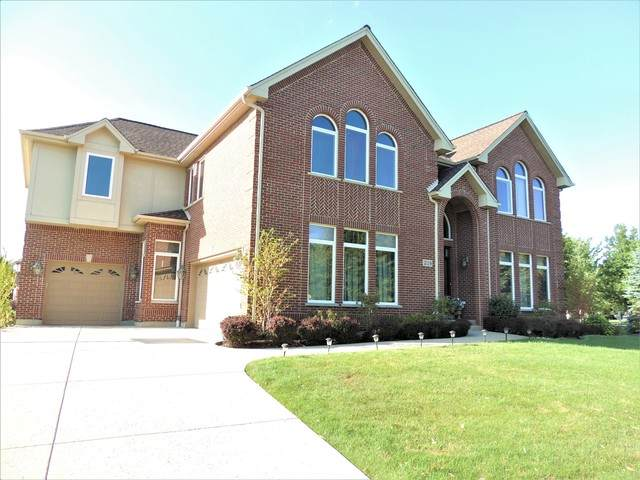 2119 Beaver Creek Drive, Vernon Hills, IL 60061 (MLS #10683619) :: O'Neil Property Group