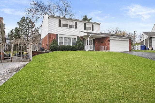 9031 Dell Court, Hickory Hills, IL 60457 (MLS #10683900) :: The Wexler Group at Keller Williams Preferred Realty