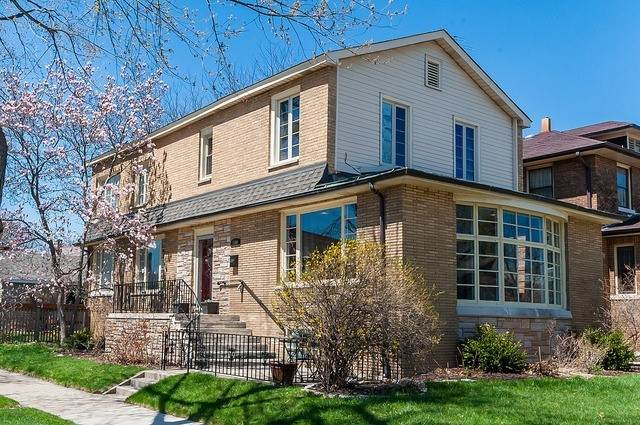 1101 N Harvey Avenue, Oak Park, IL 60302 (MLS #10684167) :: Helen Oliveri Real Estate