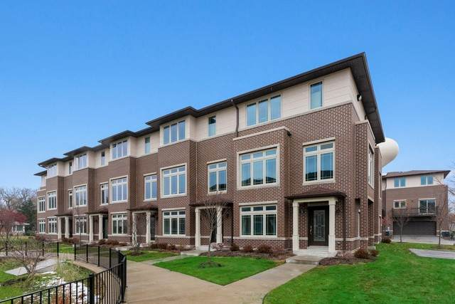 7820 Madison Street, River Forest, IL 60305 (MLS #10684245) :: Helen Oliveri Real Estate