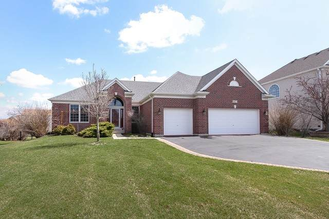 677 Kelley Drive, North Aurora, IL 60542 (MLS #10684382) :: The Wexler Group at Keller Williams Preferred Realty