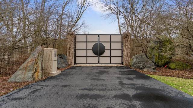 St. Charles, IL 60174 :: Helen Oliveri Real Estate