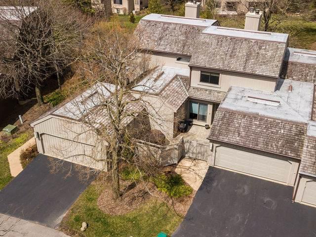 262 N Thornhill Lane, Lake Barrington, IL 60010 (MLS #10685559) :: Ani Real Estate