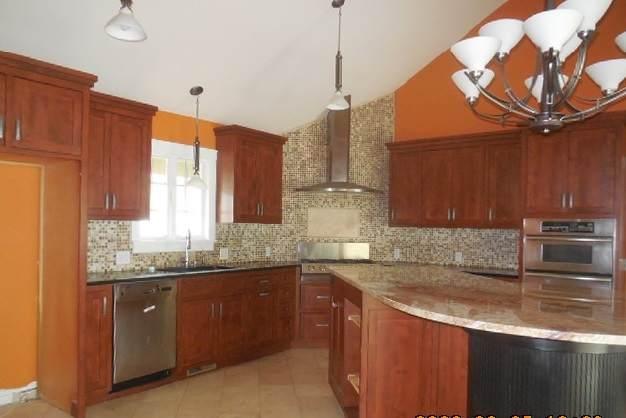 1102 E Monroe Street, Bloomington, IL 61701 (MLS #10686111) :: John Lyons Real Estate
