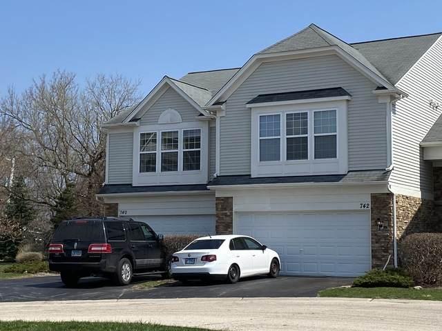 740 Pointe Drive, Crystal Lake, IL 60014 (MLS #10687280) :: Lewke Partners