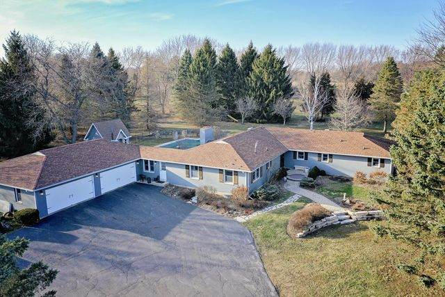 1018 Sunset Road, Spring Grove, IL 60081 (MLS #10696300) :: Littlefield Group