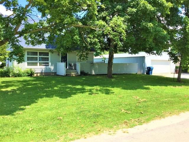 106 S Center Street, SADORUS, IL 61872 (MLS #10698994) :: Jacqui Miller Homes