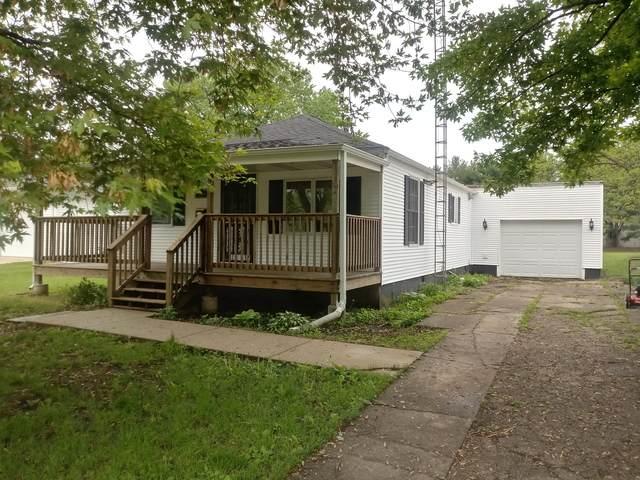 104 S Ohio Street, Tuscola, IL 61953 (MLS #10701264) :: Littlefield Group