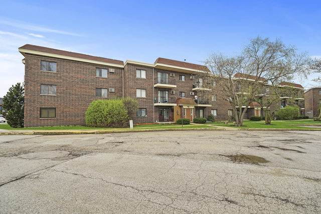 944 N Rohlwing Road 201K, Addison, IL 60101 (MLS #10702303) :: Touchstone Group