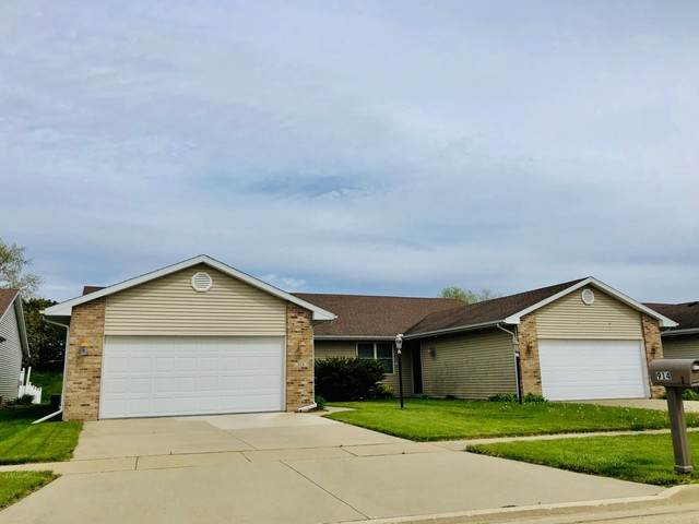 914 Waters Edge Road, Champaign, IL 61822 (MLS #10703374) :: Helen Oliveri Real Estate