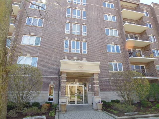 1327 Brown Street #403, Des Plaines, IL 60016 (MLS #10703852) :: The Mattz Mega Group