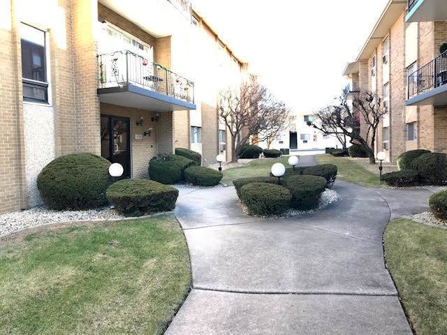 10109 S Cicero Avenue #305, Oak Lawn, IL 60453 (MLS #10706189) :: Property Consultants Realty