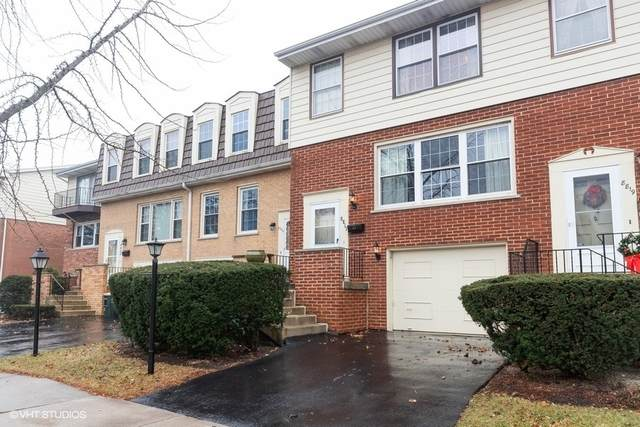 8817 44th Place, Brookfield, IL 60513 (MLS #10709073) :: Property Consultants Realty