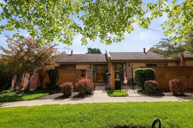 532 E Main Street, Barrington, IL 60010 (MLS #10712940) :: Lewke Partners
