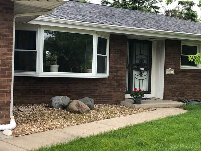 2304 S Vine Street, Urbana, IL 61801 (MLS #10714765) :: The Mattz Mega Group