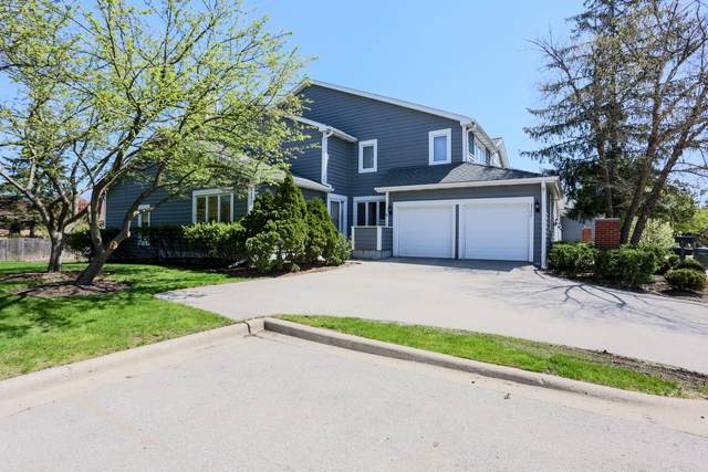 2752 The Mews, Northbrook, IL 60062 (MLS #10715559) :: Helen Oliveri Real Estate