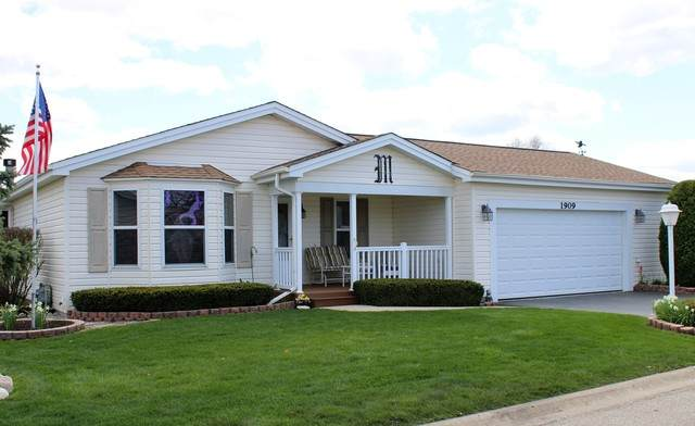1909 Hawthorne Court, Grayslake, IL 60030 (MLS #10715965) :: Helen Oliveri Real Estate