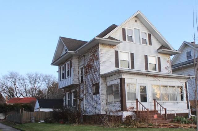 1412 Locust Street, Sterling, IL 61081 (MLS #10720356) :: Littlefield Group