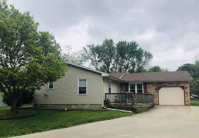 105 Douglas Drive, Tuscola, IL 61953 (MLS #10720620) :: Ryan Dallas Real Estate