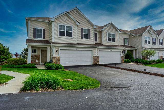1457 Lighthouse Lane, Pingree Grove, IL 60140 (MLS #10722131) :: Knott's Real Estate Team