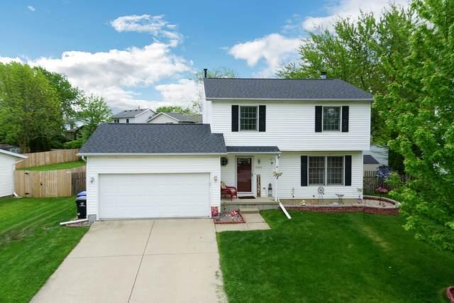 2204 Woodhavens Drive, Bloomington, IL 61704 (MLS #10722627) :: Ryan Dallas Real Estate