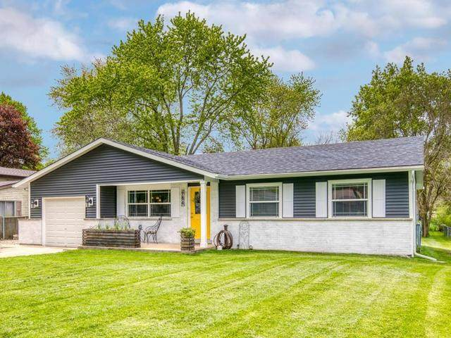 964 Lakewood Drive, Bartlett, IL 60103 (MLS #10722908) :: Knott's Real Estate Team