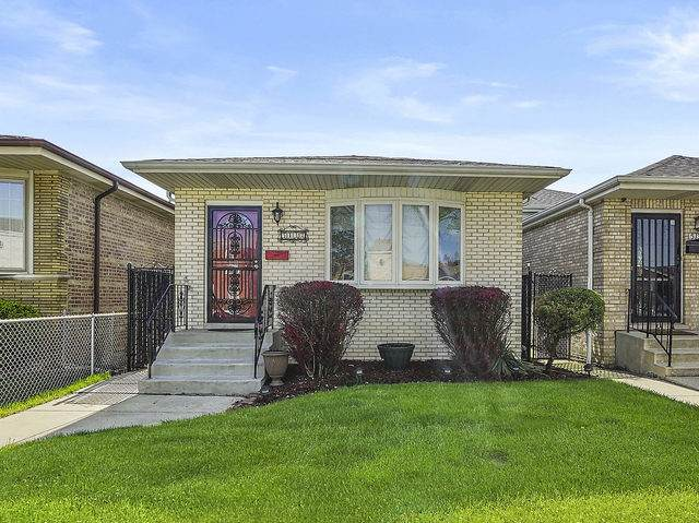 5132 S Massasoit Avenue, Chicago, IL 60638 (MLS #10722952) :: Littlefield Group