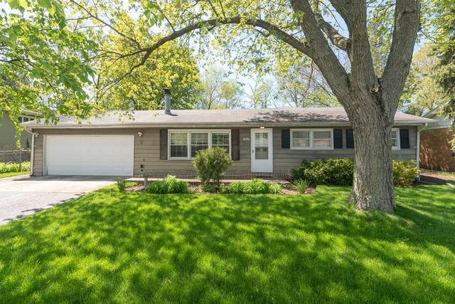 1696 Central Avenue, Northbrook, IL 60062 (MLS #10723440) :: The Spaniak Team