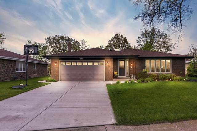 7936 Wheeler Drive, Orland Park, IL 60462 (MLS #10723951) :: Lewke Partners