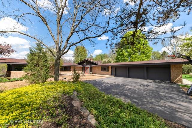 15 Barrington Hills Road, Barrington Hills, IL 60010 (MLS #10723994) :: Littlefield Group