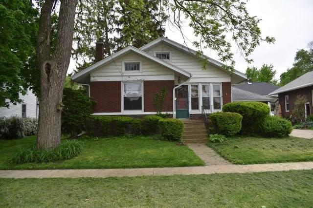 106 E Grove Street, Pontiac, IL 61764 (MLS #10724750) :: Century 21 Affiliated