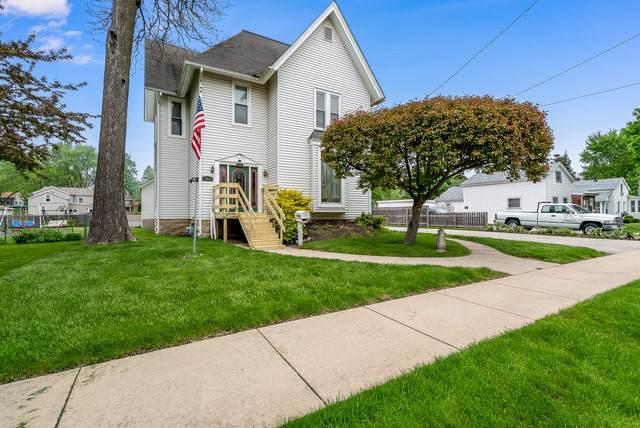 317 W Lincoln Avenue, Belvidere, IL 61008 (MLS #10724801) :: Jacqui Miller Homes