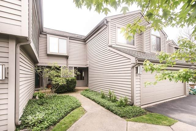 829 N Shoreline Road, Lake Barrington, IL 60010 (MLS #10725360) :: Ani Real Estate
