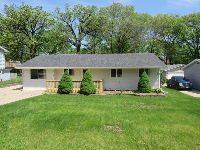 1718 W Oakleaf Drive, Johnsburg, IL 60050 (MLS #10725567) :: Lewke Partners