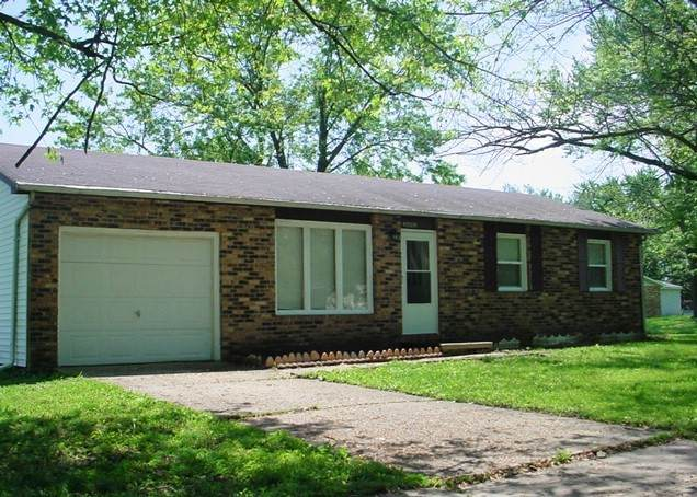 2602 Campbell Drive, Champaign, IL 61821 (MLS #10725625) :: John Lyons Real Estate