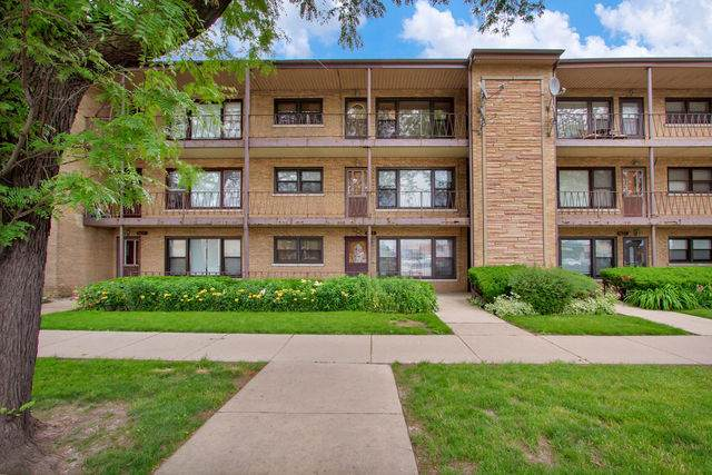 4823 N Harlem Avenue #3, Chicago, IL 60656 (MLS #10727055) :: Littlefield Group