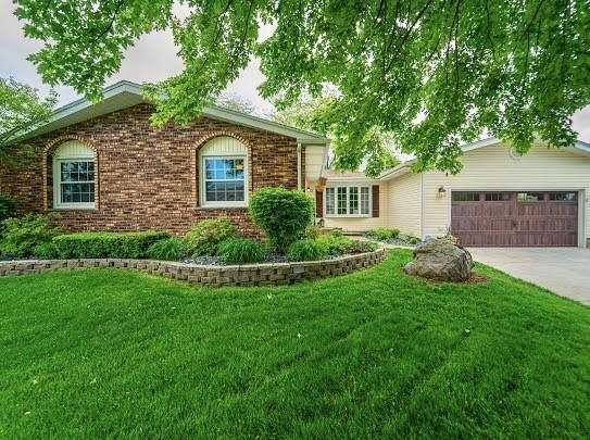 2 Cambridge Court, Bourbonnais, IL 60914 (MLS #10727060) :: Property Consultants Realty