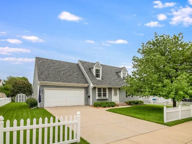 1111 Cochran Street, Aurora, IL 60506 (MLS #10727128) :: Helen Oliveri Real Estate