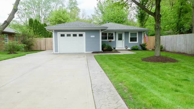 833 Riverside Drive, South Elgin, IL 60177 (MLS #10727229) :: Suburban Life Realty