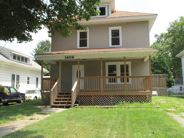 1404 Locust Street, Sterling, IL 61081 (MLS #10728274) :: Jacqui Miller Homes