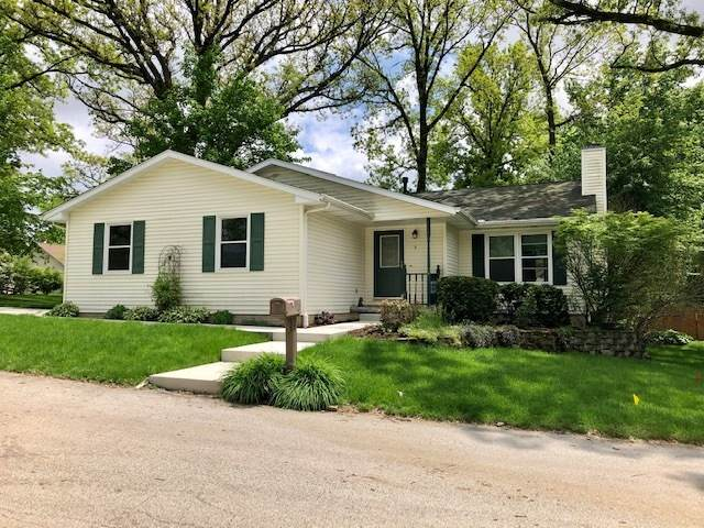 2 Clearbrook Court, Bloomington, IL 61701 (MLS #10728995) :: Ryan Dallas Real Estate