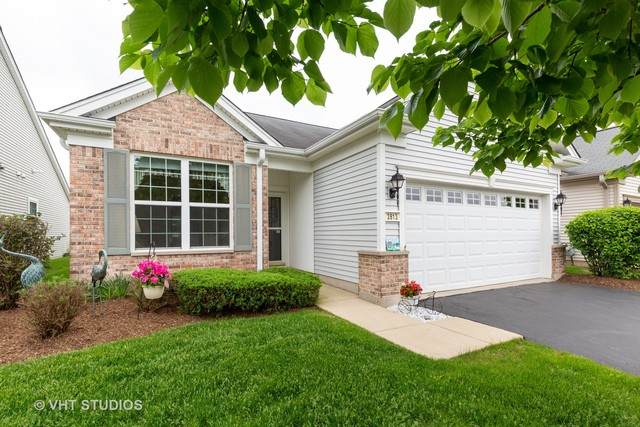2813 Beacon Point Circle, Elgin, IL 60124 (MLS #10729854) :: Jacqui Miller Homes