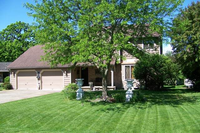 204 Grace Drive, Forrest, IL 61741 (MLS #10729958) :: Jacqui Miller Homes