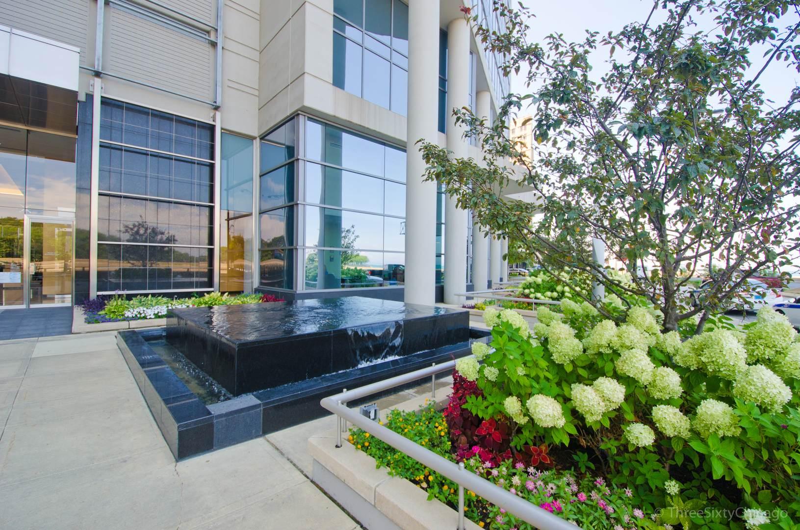 600 N Lake Shore Drive #3902, Chicago, IL 60611 (MLS #10730254) :: John Lyons Real Estate