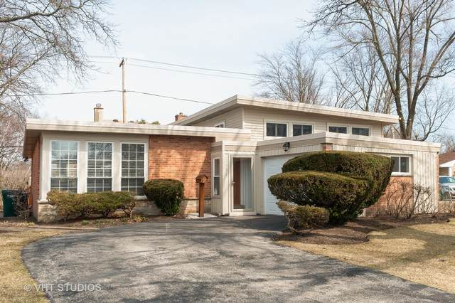 2916 Central Avenue, Wilmette, IL 60091 (MLS #10730725) :: Helen Oliveri Real Estate