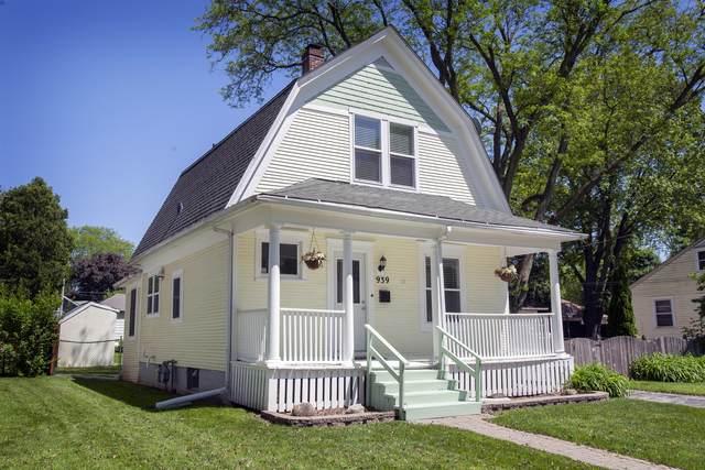 939 Saint John Street, Elgin, IL 60120 (MLS #10730966) :: Property Consultants Realty